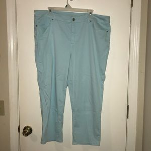 The So Lifting crop pants by Chico's